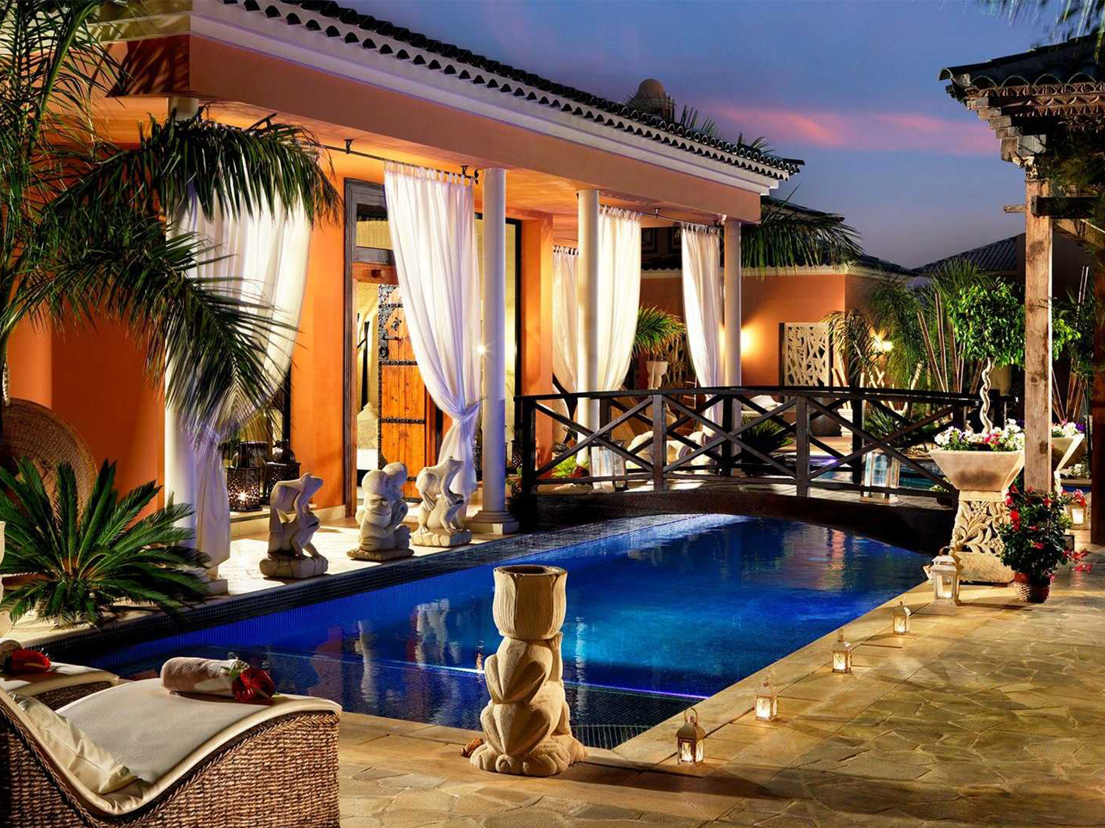 Royal Garden Villas_pool area