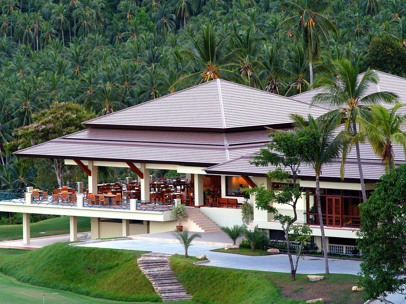 Santiburi-Beach-Resort-Golf-Spa