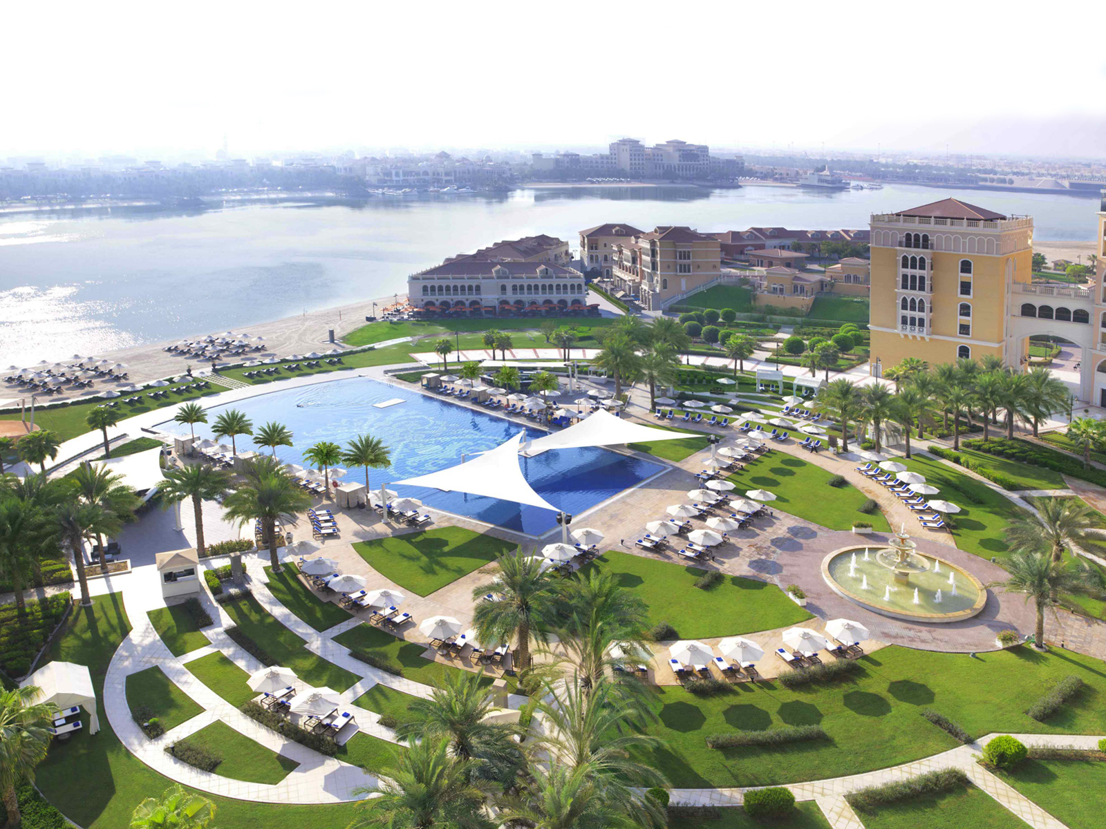 The-Ritz-Carlton-Grand-Canal-Abu-Dhabi